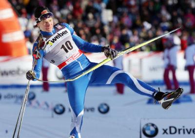 Matias Strandvall katkaisee suksensa sprintin karsinnassa 4.3.2012. Salpausselkä, Lahti.