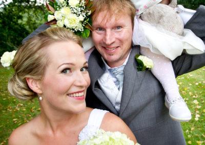 Markon ja Katrin häät, menossa mukana myös Aino-Lydia 31.8.2013. Kulosaaren Kartano, Helsinki.