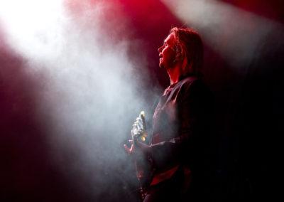 Kitaristi Leo Hakanen  Haloo Helsinki yhtyeen kanssa 13.7.2017. Kotka.