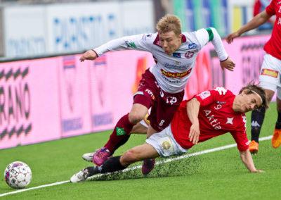 Pekka Sihvola ja Jari Sara Veikkausliigan jalkapallo-ottelussa HIFK vs. Jaro 7.6.2015. Sonera Stadium, Helsinki.