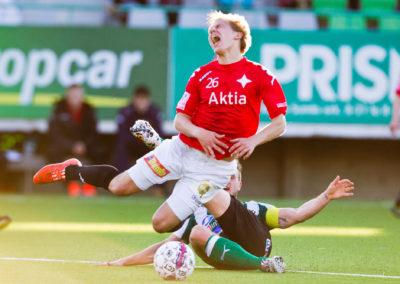 Valeri Minkenen kaataa Ville Salmikiven keltaisen kortin arvoisesti ottelussa FC KTP vs. HIFK 21.5.2015. Arto Tolsa Areena, Kotka.