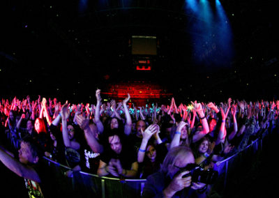 Yleisöä Black Sabbathin keikalla 20.11.2013. Hartwall Areena, Helsinki.