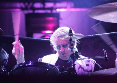 Ian Paice vauhdissa Deep Purple -yhtyeen kanssa 17.7.2009. Kotka.