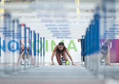 Nooralotta Neziri 100m aitojen lähdössä Kalevan Kisoissa 23.7.2016. Raatin Stadion, Oulu